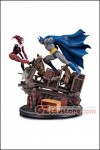 DC Collectibles - Batman vs Harley Quinn Battle Statue