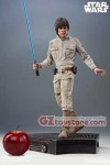 Sideshow Collectibles - Star Wars The Empire Strikes Back - Luke Skywalker Premium Format Figure