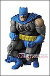 Medicom - MAFEX Batman The Dark Knight Returns Triumphant Action Figure